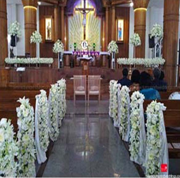 Church Altar Decoration For Wedding: Saree Decoration For Altar